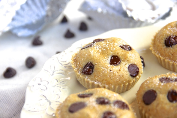 Skinny Chocolate Chip Muffin Bites by Skinny Girl Standard, a low calorie food blog